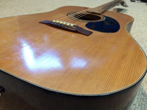ALVAREZ ARTIST SERIES (OLDER 4-DIGIT MODELS) acoustic guitars