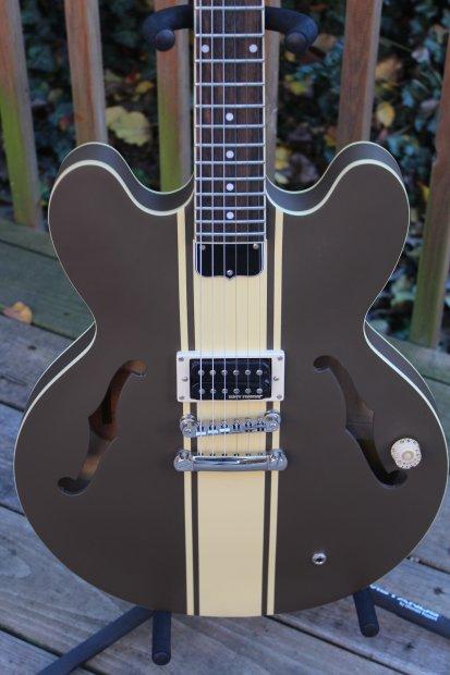 epiphone tom delonge signature es 333 semi hollow electric guitar brown stripe reverb. Black Bedroom Furniture Sets. Home Design Ideas