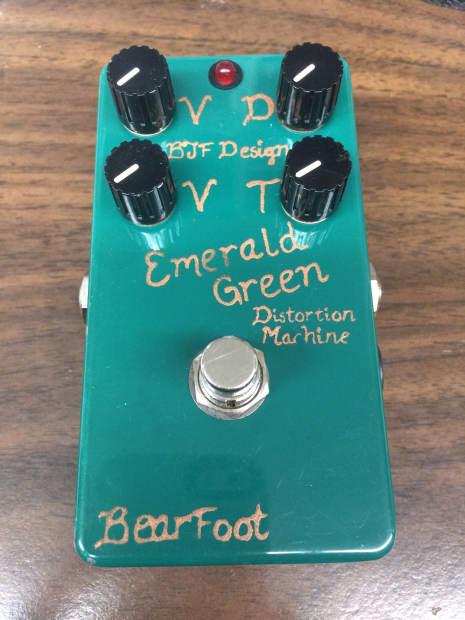 emerald green distortion machine