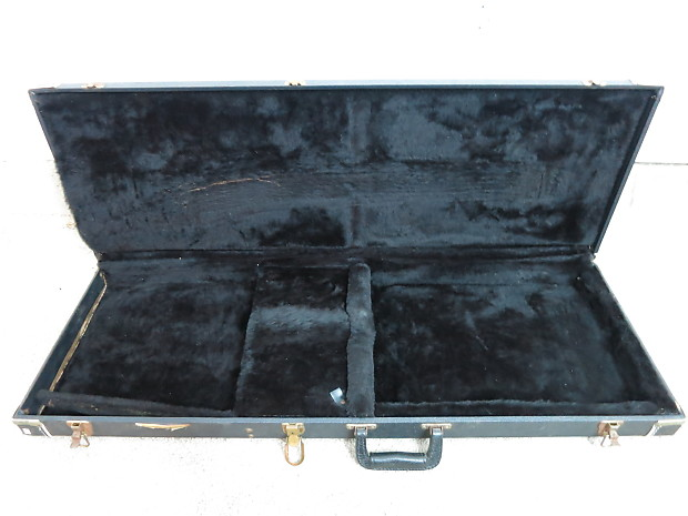 how to clean a guitar case