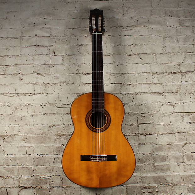 yamaha g225 classical guitar reverb. Black Bedroom Furniture Sets. Home Design Ideas