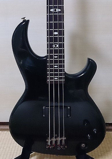 rare bass in excellent condition aria pro ii sb black 39 n 39 gold reverb. Black Bedroom Furniture Sets. Home Design Ideas