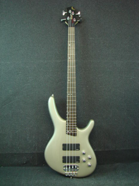 cort c4 4 string electric bass guitar with gig bag mightymite reverb. Black Bedroom Furniture Sets. Home Design Ideas
