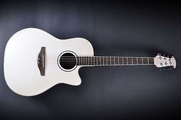 Ovation: CC026 | Reviews @ Ultimate-Guitar.com