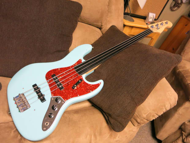 squier jazz bass fretless mij 1990s daphne blue reverb. Black Bedroom Furniture Sets. Home Design Ideas