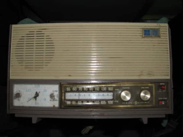 Stans Auto Sales >> General Electric C-530A 1963 TUBE Clock Radio for Guitar Amp? | Reverb