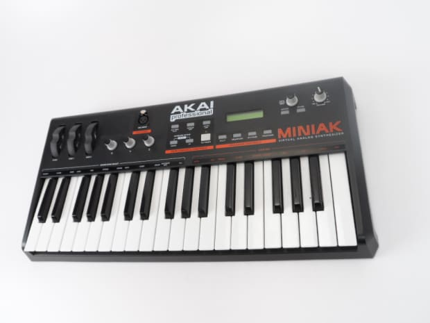 akai miniak virtual analog synthesizer synth midi controller reverb. Black Bedroom Furniture Sets. Home Design Ideas