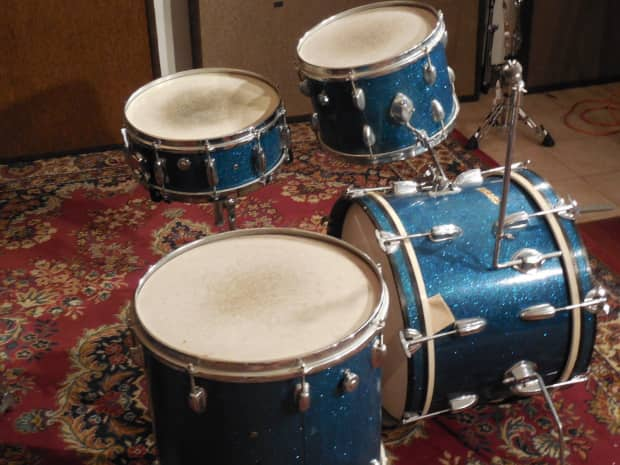 Vintage 1960s Pearl 4 Pc Blue Sparkle Drum Kit With