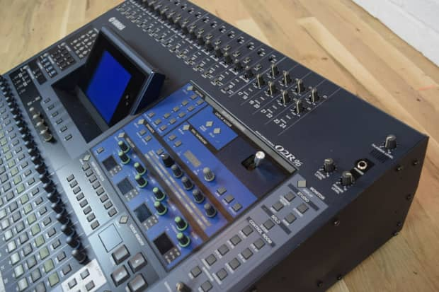 Yamaha 02r96 digital mixing console near mint used audio for Yamaha digital console