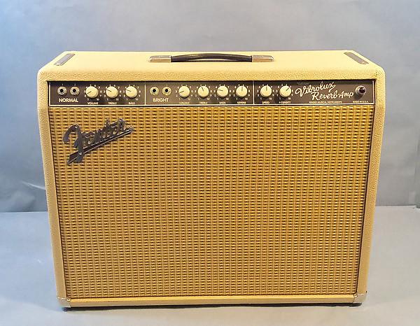 fender custom vibrolux reverb blonde wheat guitar amplifier reverb. Black Bedroom Furniture Sets. Home Design Ideas