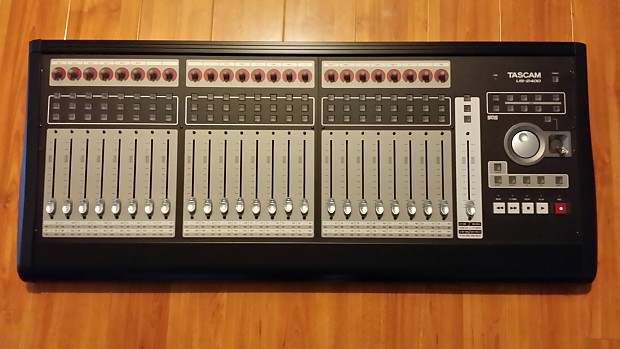 Tascam Us 2400 Usb Daw Controller With Motorized Faders