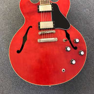 <p>2003 Gibson ES-333 Cherry Red w/Gibson Hardshell Case Antiquities Pickups</p>  for sale