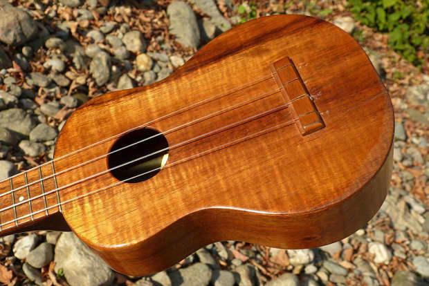 Datování kamaka ukuleles