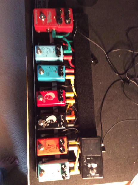 Loaded Pedal Board Red Witch, TC, Modtone, Pedaltrain | Reverb