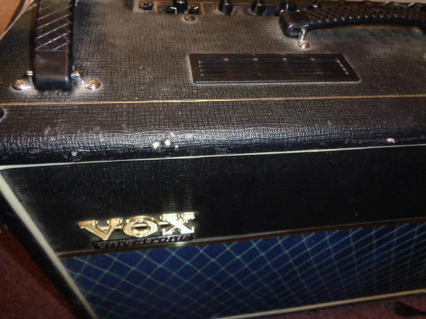 used vox ad120vt guitar combo amplifier with fx with vc4 controller reverb. Black Bedroom Furniture Sets. Home Design Ideas