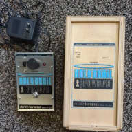 Electro-Harmonix Holy Grail Reverb with box and adapter
