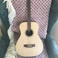 <p>Martin tenor Guitar LXM Tenor Reissue in 2000&#039;s Natural Wood Finish</p>  for sale
