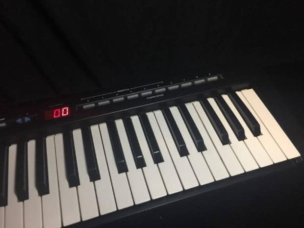 evolution mk 149 1990 39 s black midi keyboard controller piano reverb. Black Bedroom Furniture Sets. Home Design Ideas