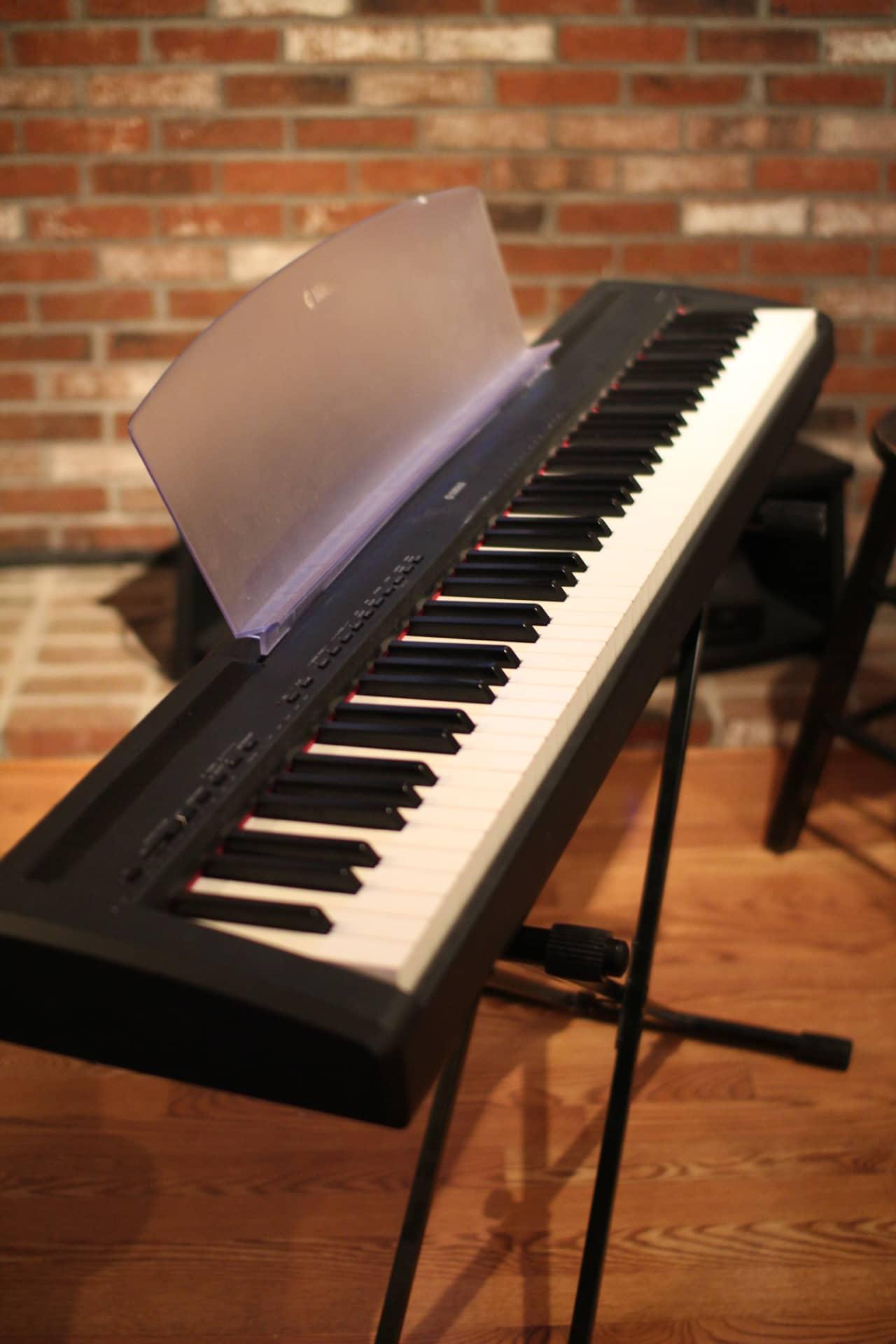 yamaha p95 digital piano reverb. Black Bedroom Furniture Sets. Home Design Ideas