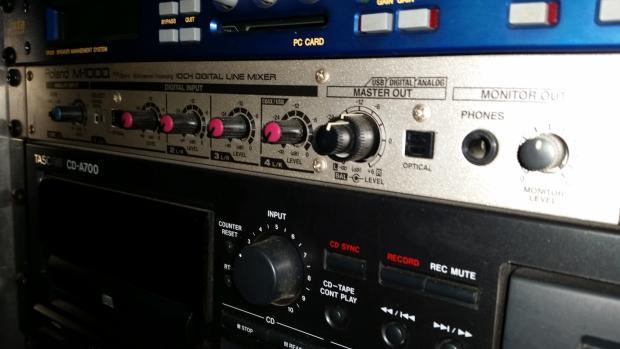Roland M 1000 Digital Line Mixer Reverb