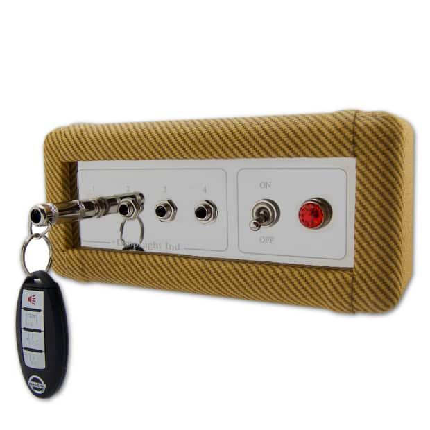 dating fender amp tweed keychain
