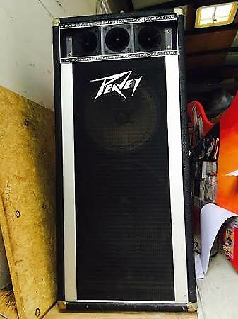 peavey t300 speakers and mixer reasonable offers considered reverb. Black Bedroom Furniture Sets. Home Design Ideas