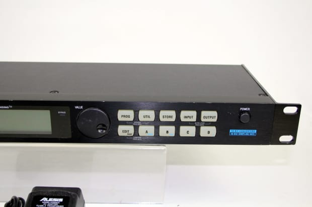 alesis midiverb 4 multi effects unit excellent condition with reverb. Black Bedroom Furniture Sets. Home Design Ideas