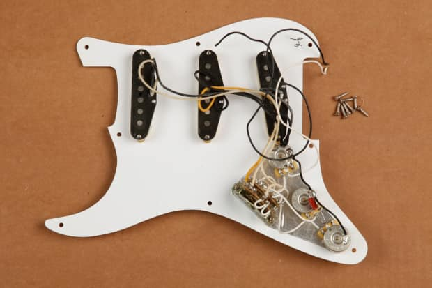 Fender Classic Player 50s Stratocaster Loaded Pickguard