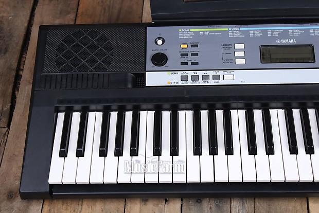 yamaha ypt 240 portable 61 key digital keyboard with power reverb. Black Bedroom Furniture Sets. Home Design Ideas