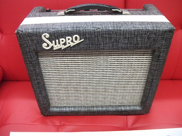 supro 1616t 1960 39 s silver gray vintage tube amp with tremolo reverb. Black Bedroom Furniture Sets. Home Design Ideas