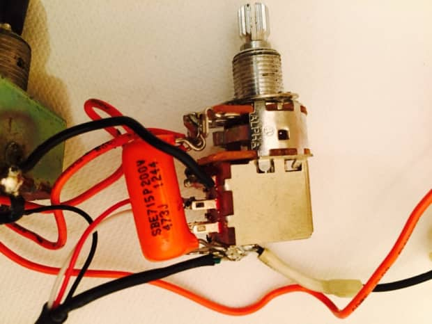 Coil Tapping 2 Humbuckers With Switched Pot