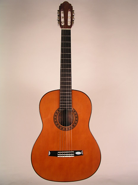 Used vg 180 valencia classical guitars reverb for Luthier valencia