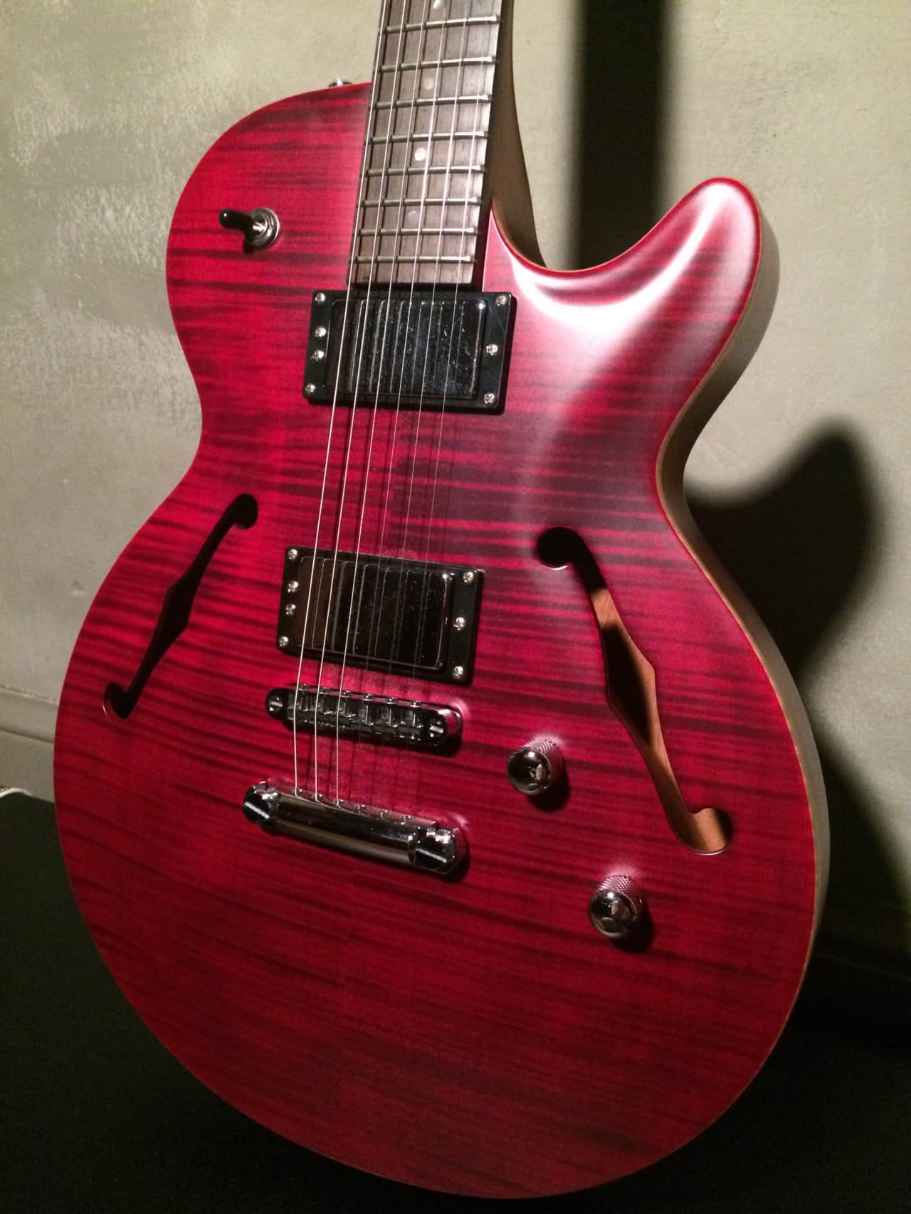 carvin sh550 semi hollow body electric guitar late 2000 reverb. Black Bedroom Furniture Sets. Home Design Ideas