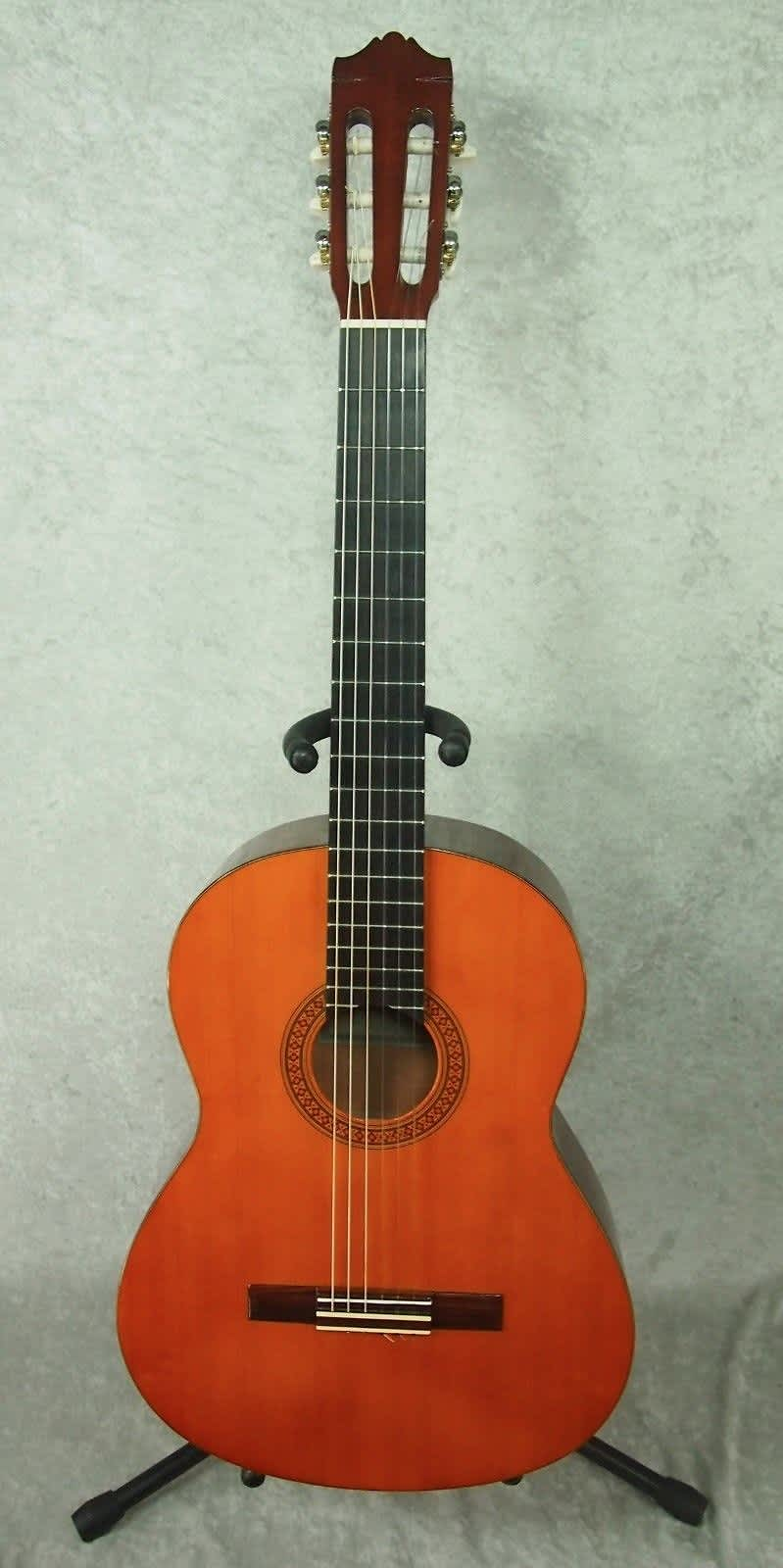 Yamaha cg 100a classical acoustic guitar reverb for Yamaha cg150sa classical guitar