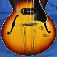 <p>Gibson ES-225T ES225 225 Semi- Hollow Electric Guitar w/ Guild HSC 1957 Sunburst</p>  for sale