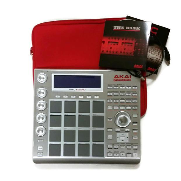 akai mpc studio slimline usb music production controller drum machine reverb. Black Bedroom Furniture Sets. Home Design Ideas