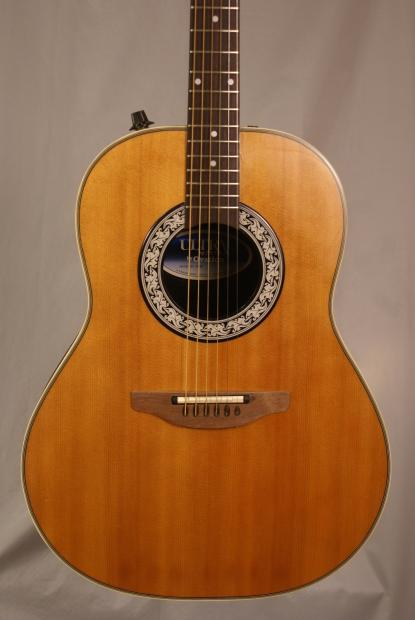ovation ultra series 1512 vintage acoustic electric guitar near mint with the original hard case. Black Bedroom Furniture Sets. Home Design Ideas