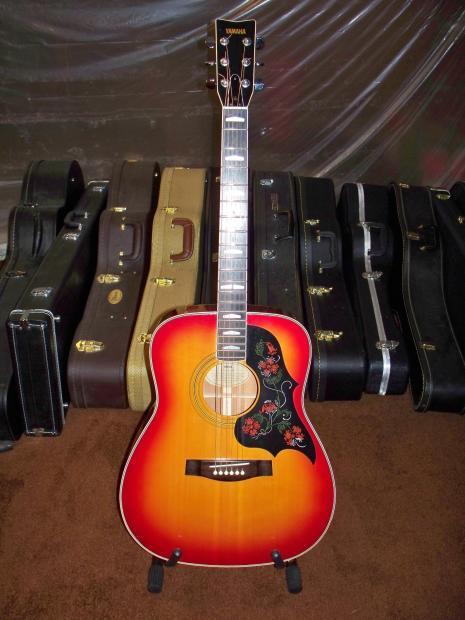 Yamaha Guitar Cracked Neck