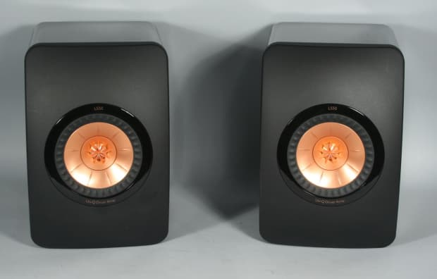 kef ls50 all around satisyfing speakers high gloss piano reverb. Black Bedroom Furniture Sets. Home Design Ideas