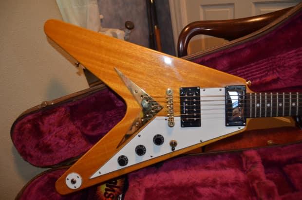 epiphone flying v guitar 2000 natural with gibson case reverb. Black Bedroom Furniture Sets. Home Design Ideas