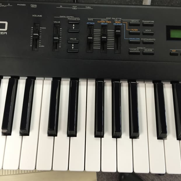how to make a synthesizer from a roland keyboard