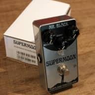 Mr. Black Supermoon Chrome - Reverb Pedal