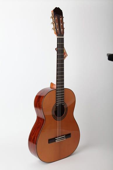 Spanish Classical Guitarist : raimundo model 129c spanish classical guitar solid cedar top reverb ~ Vivirlamusica.com Haus und Dekorationen