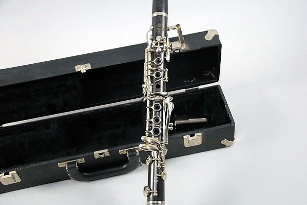 how to buy a professional clarinet