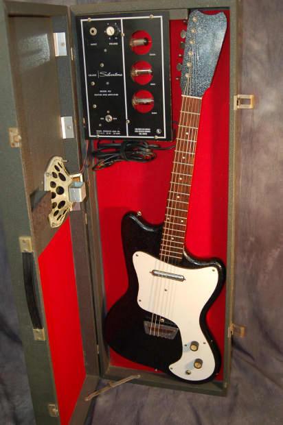 Rare Sears Silvertone 1451 Hornet Guitar Amp In Case
