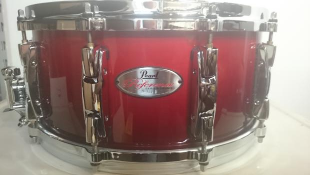 pearl reference 14 x6 5 snare drum in 155 scarlet fade reverb. Black Bedroom Furniture Sets. Home Design Ideas
