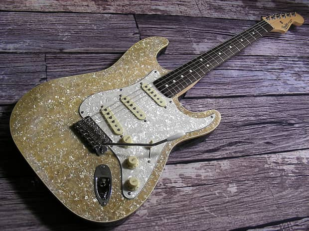 2006 Fender Custom Hot Rod Champagne Pearloid Stratocaster