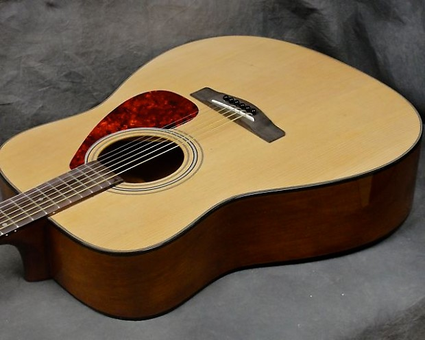 Yamaha gigmaker f 325 acoustic guitar outfit spruce top for Yamaha f 325 guitar
