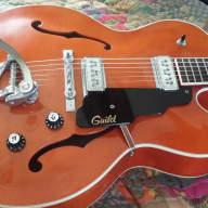 <p>Guild  X160 Rockabilly 1990 Orange</p>  for sale