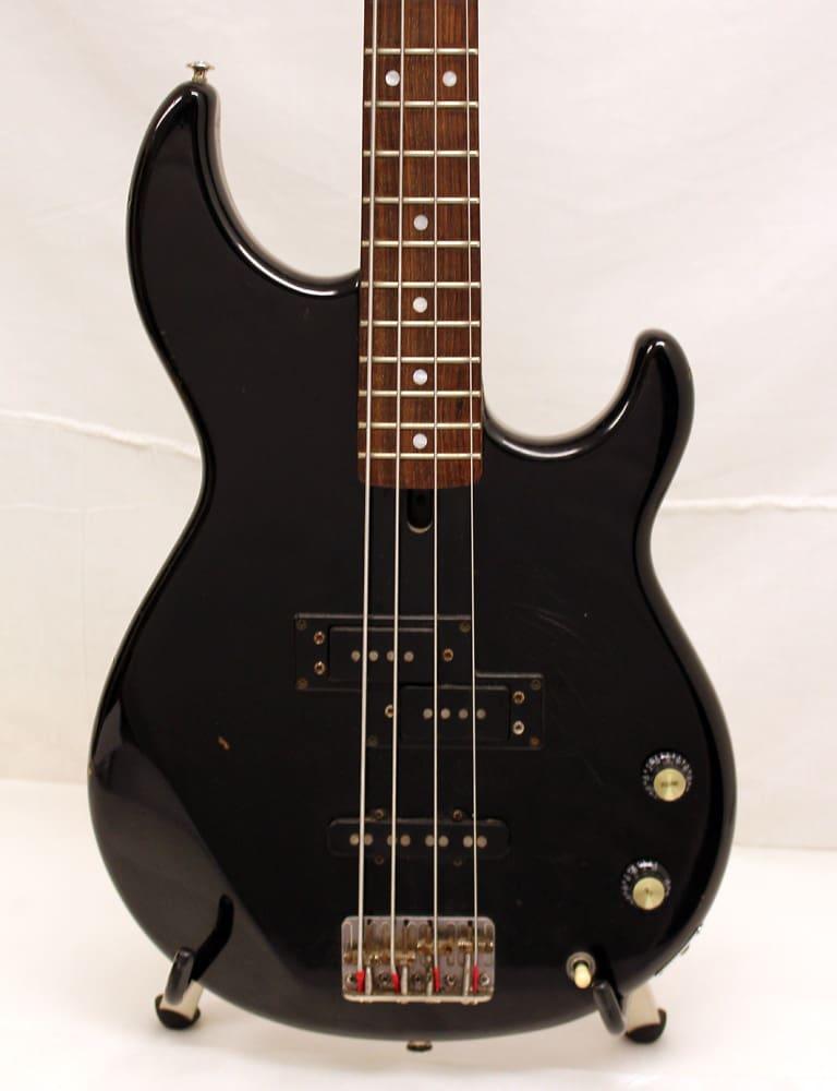 Used yamaha bb450 bass guitar black good condition for Yamaha bass guitars